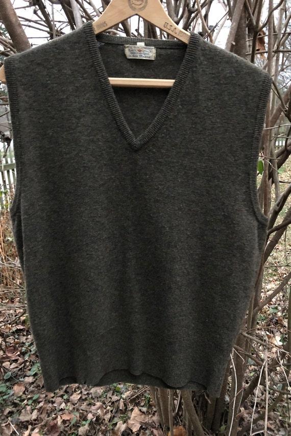 Men's 1940s sweater vest