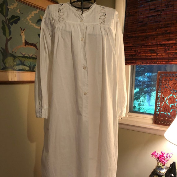 1940s Victorian-style white cotton nightgown