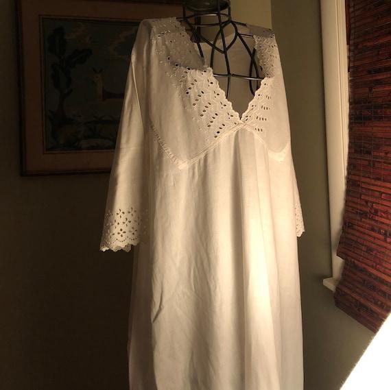 1910s white cotton Muslin night gown