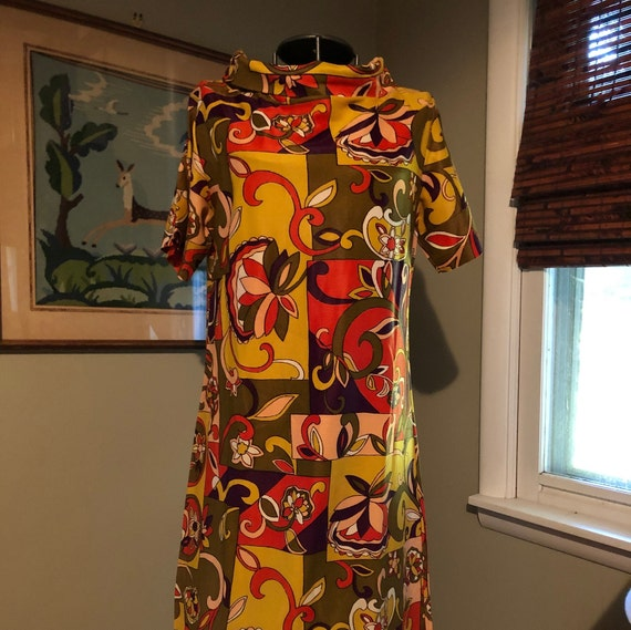 1965 brightly colored bold print dress