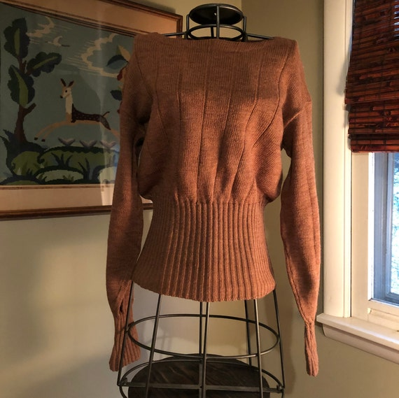 1930s tan ribbed pullover sweater