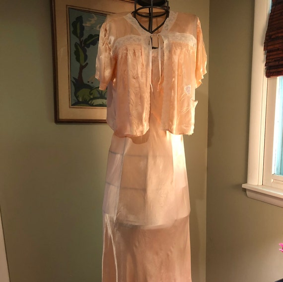1930s Val Mode pink rayon satin nightgown and bed