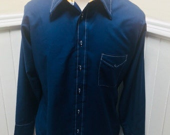 Vintage 1970s Navy Blue with White Stitching Pockets Long Sleeved Button Down Mens Van Heusen 417 Shirt- L - 16 1/2