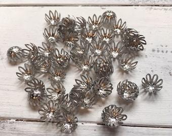 50 pcs Antique Bronze 8 petal Bead Cap