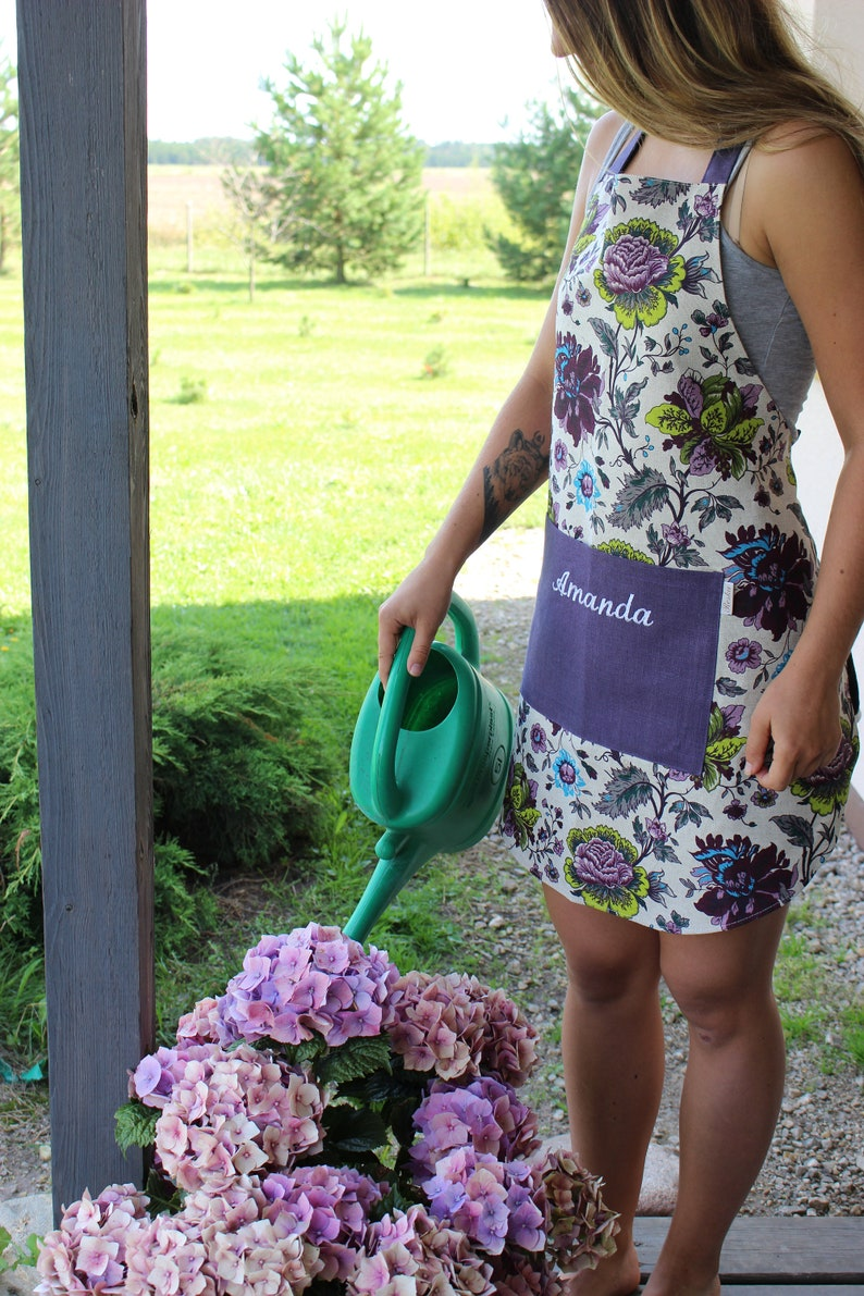 Personalized Linen Pinafore with Flower Pattern Christmas image 0