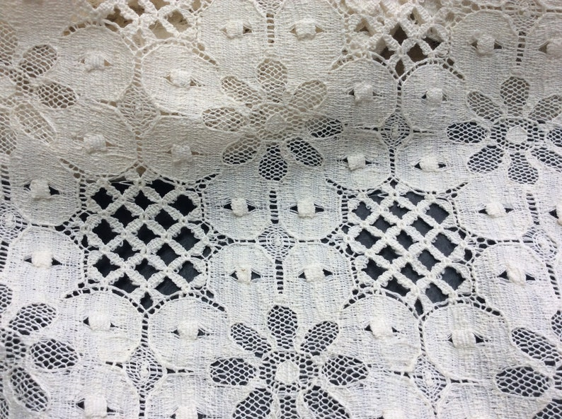 Ivory Flower Pattern Lace Fabric Perfect For Bathing Suit Cover-Ups, Ivory  Lace Material, Sewing Supplies