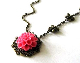 Pink flower necklace butterfly jewelry antique brass bronze victorian vintage style pink chrysanthemum mum flower