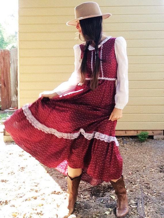 Red Prairie Dress // Vintage 80s Burgundy Calico F