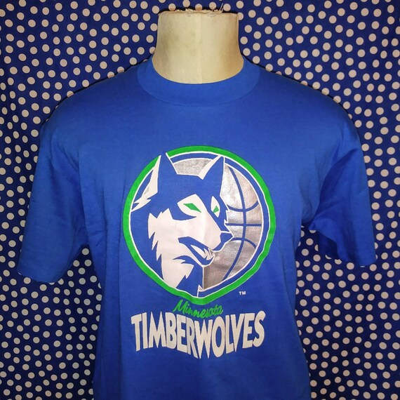 8b3c4fc66 Late 80 s early 90 s MN Timberwolves t-shirt slim