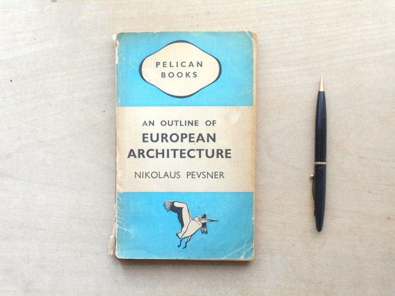 WORN European Architecture book by Nikolaus Pevsner pelican image 0