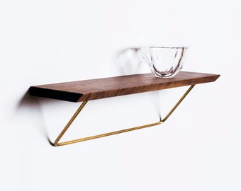 Classic shelf Nordic - modern classic shelving unit.
