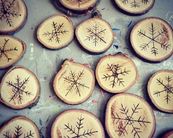 Wooden Snowflake Ornament (Set of 5)