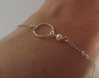 Sterling silver Karma Circle Bracelet with Pearl- Silver Dainty Bracelet- Eternity Bracelet Freshwater Pearl Minimalist- Bridesmaid Bracelet