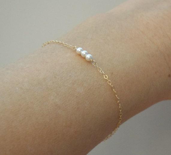 Minimalist June Birthstone Bracelet Dainty Single Pearl Bracelet for Women in 14K Gold Filled Pearl Jewelry 3rd or 30th Anniversary Gift