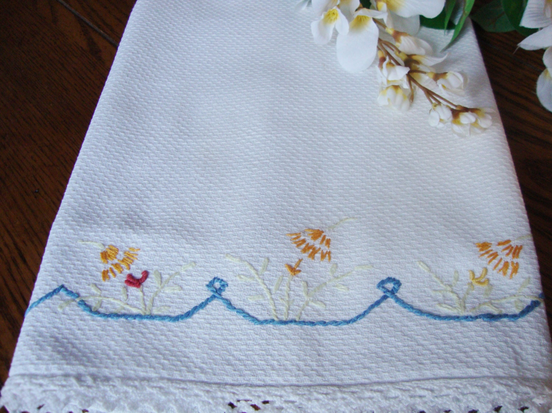 linen tea towel white embroidered towel crochet trim. Black Bedroom Furniture Sets. Home Design Ideas