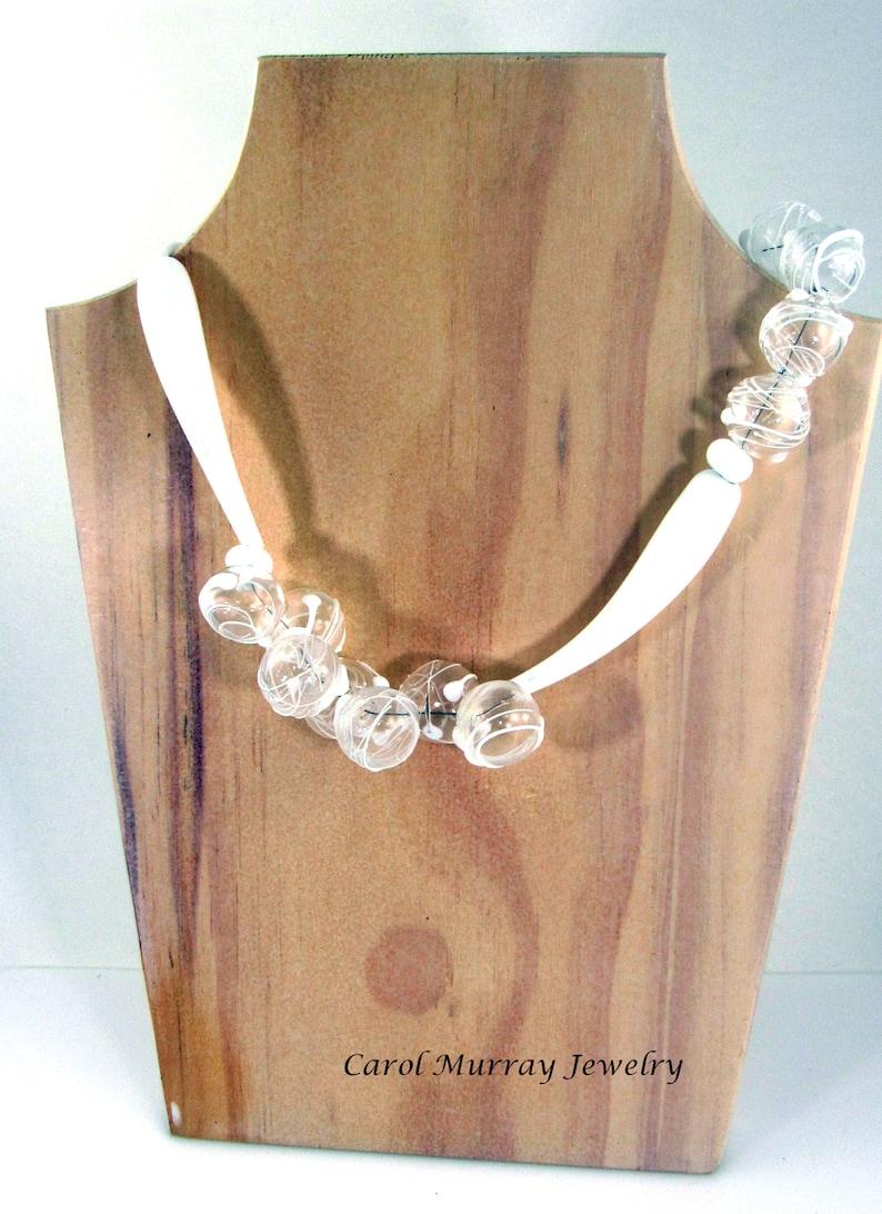NK 136 Modern Art Classic Artisan White Lampwork Glass Bubbles Elegant Carol Murray Jewelry Beaded Necklace