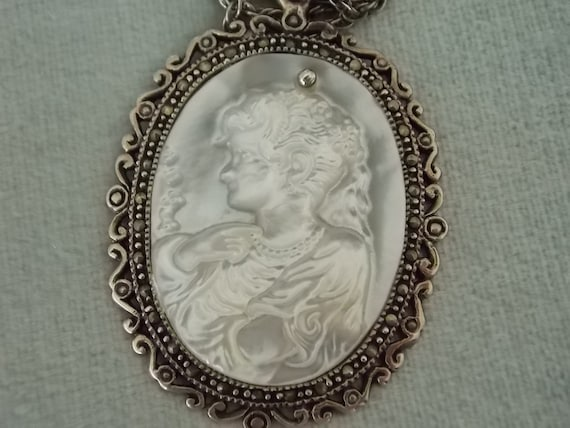 Beautiful Silver Mother Of Pearl Marcasite Cameo N
