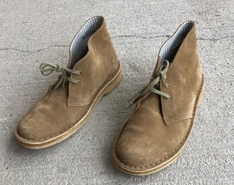 815d8d3fae Clark's Originals Desert Boots, Suede, gum soles, WM US Size 8.5