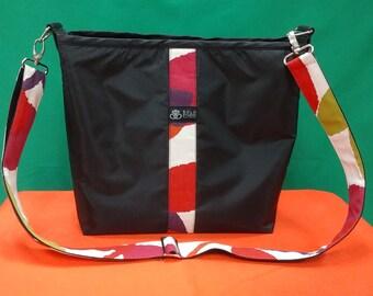 Messenger bag, black messenger bag, travel messenger bag, adjusted messenger bag