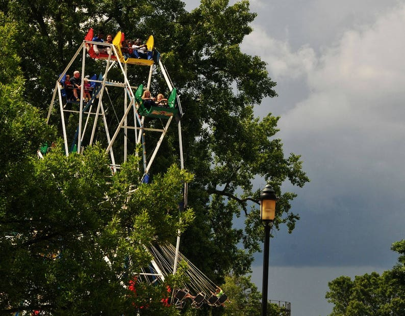Amusement Park Ride Ferris Wheel Photo Happy Childhood image 0
