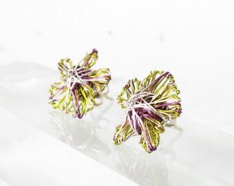 Green flower earrings studs, green purple, post earrings, modern jewelry, wire flowers, art jewelry, cute earrings, bridesmaid earrings