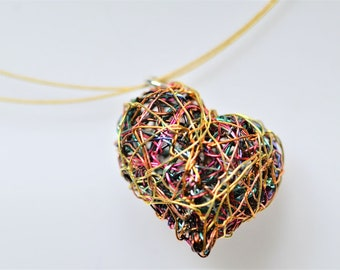Wire sculpture pendant, wire heart necklace, gold heart pendant, colorful, modern art jewelry, unique necklace for girlfriend,Christmas gift