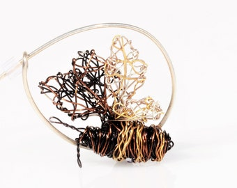 Honey bee brooch, small, bumble bee pin, black gold, wire bee sculpture, unusual, insect, modern art jewelry, unique, Christmas gift for mom
