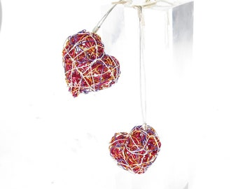 Red heart drop earrings wire art