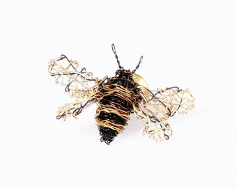 Cute bee pin Honey bee brooch Tiny sculpture wire art pin Black gold jewelry Bug pin Insect jewelry Modern art jewelry Gifts for bee lovers