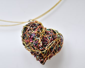 Art heart necklace, Sculptural modern gold necklace, Contemporary wire jewellery, Unique heart pendant