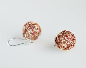 Minimal earrings Drop ball earrings Modern Gold Dangle earrings women Wire sphere earrings Hypoallergenic Short threader earrings geometric