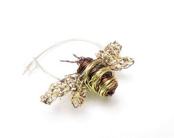 Βee pin brooch, honey bee, small insect brooch, dress pin, unusual, wire sculpture, contemporary art jewelry, Christmas gift for her