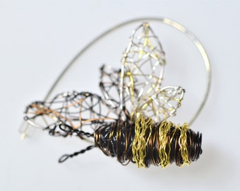 Bee jewelry, honey bee pin, blouse, cute, bee brooch, black gold,  wire insect, boho, wire sculpture art jewelry, Winter birthday gift wife