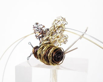 Bee necklace, wire sculpture art necklace, insect jewelry, honey bee necklace, contemporary jewelry, unusual jewelry, art teacher gifts