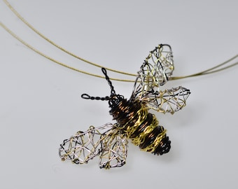 Copper wire wrap bee necklace, metal art, simple necklace, insect jewelry