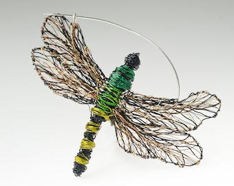 Green dragonfly brooch Wire dragonfly sculpture Art pin Dragonfly pin Contemporary Insect jewelry Large brooch Insect brooch Unusual gifts