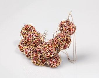 Sculpture wire art, trendy gold ball necklace