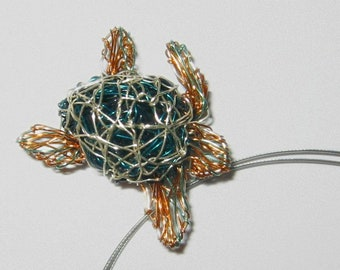 Sea turtle necklace, Ocean turtle jewelry, Wire turtle sculpture jewelry art, Unique animal jewelry