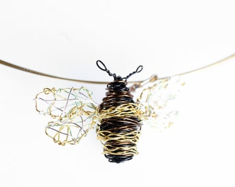 14k gold bee pendant, Honey bee necklace wire, Gold bug jewelry, Insect jewelry art sculpture