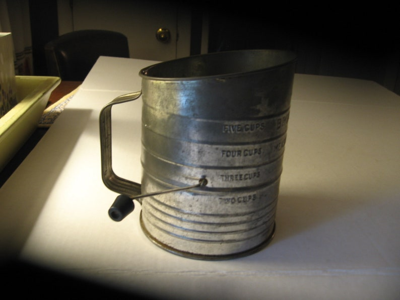 Bromwell/'s Measuring Flour Sifter 5 Cups