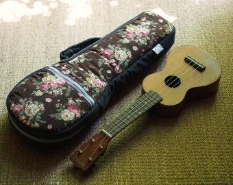 La soprano ukelele - patrón Floral - ukelele caso con bolsillo oculto (listo para enviar)