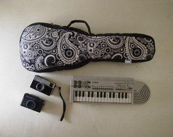 Concierto caja de ukelele - Paisley negro y blanco caso de Ukelele con bolsillo oculto (listo para enviar)