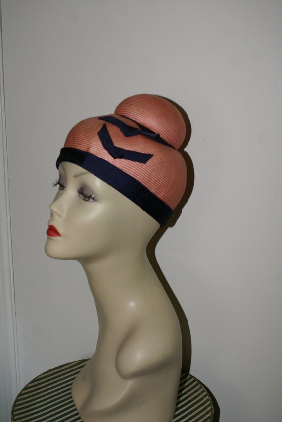 VINTAGE 1940's, 1950's Straw Novelty Hat