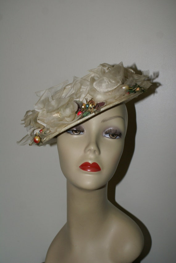 VINTAGE NEW LOOK Hat, Flowered 1940's, 1950's Hat,