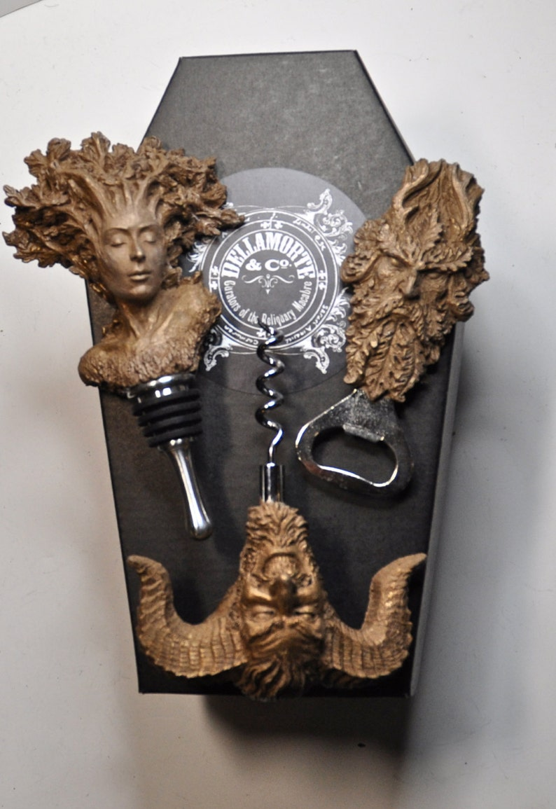 Pagan Gift Set of Wine Accessories image 0