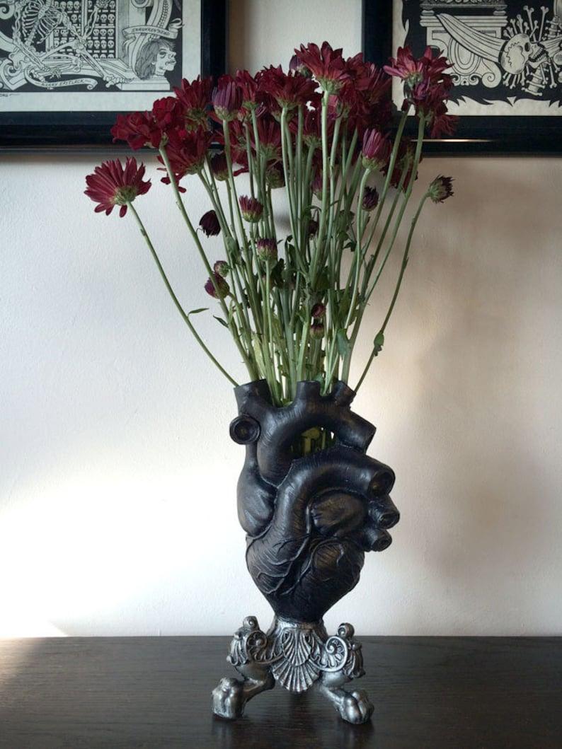Anatomical Heart Vase Black Finish image 0