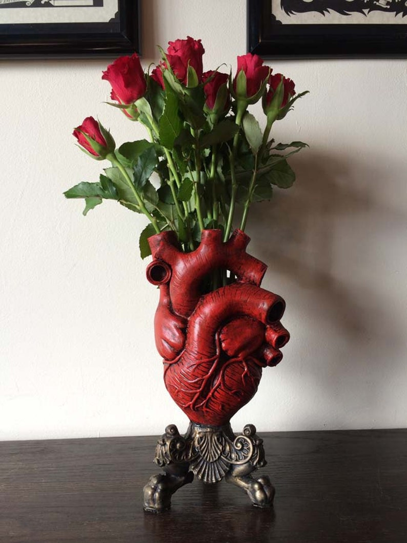 Anatomical Heart Vase Red Finish image 0