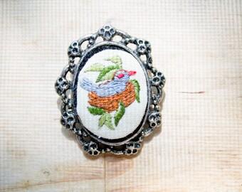 needlepoint brooch : bluebird nest pin