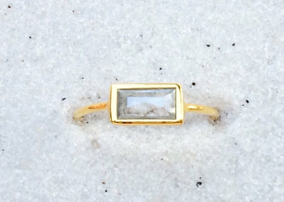Grey diamond and solid 18k gold ring
