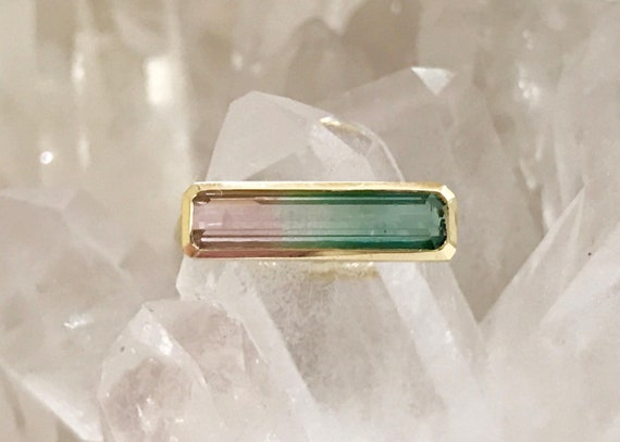Watermelon tourmaline horizon ring in solid 18k gold